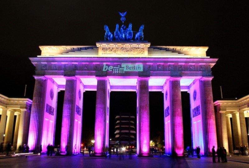 La Puerta de Brandeburgo, Berlín. En 2014, la economía alemana creció un 1,6%, frente al leve avance del 0,2% que registró en 2013  #shu#
