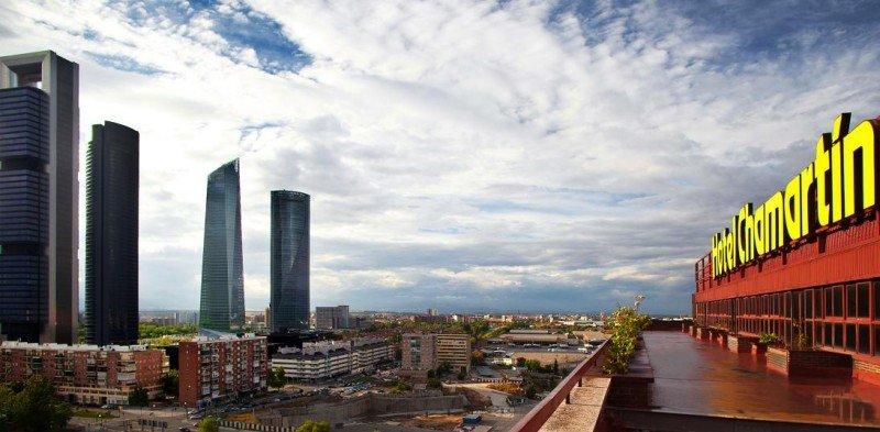 El hotel Chamartín goza de una privilegiada ubicación y tras la reforma de sus instalaciones quiere volver a ser un referente en Madrid.