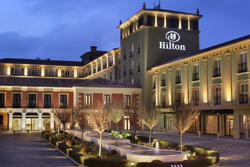 Hilton ganó 592 M € en 2014, un 62,1% más
