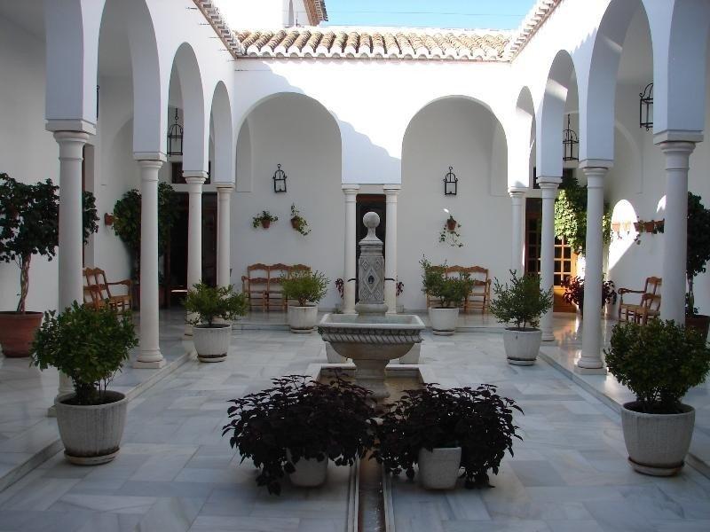 La Villa Turística de Priego de Córdoba es uno de los cinco establecimientos operativos de la Red.