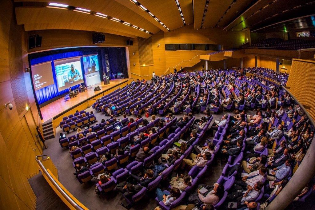 La Asociación de Palacios de Congresos de España (APCE) cuenta con 34 miembros en la actualidad.
