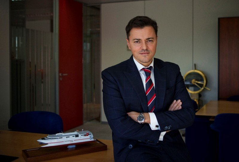 El nuevo director general de Trasmediterranea dará un golpe de timón aunque esté en venta