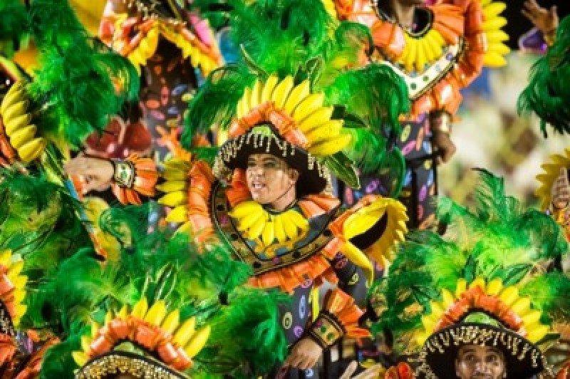 El carnaval tendrá un impacto económico de US$ 2,4 billones en Brasil. #shu#