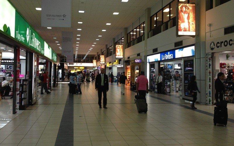 Negocios en el aeropuerto Tocumen de Panamá.