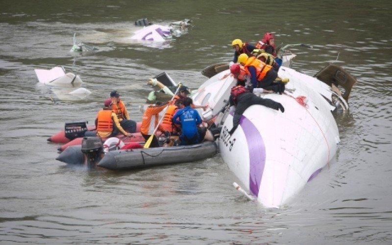 Los equipos de rescaten buscan supervivientes y víctimas mortales. Foto: Getty