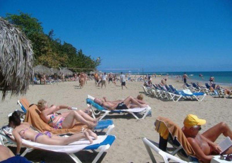 San Cristóbal e Islas Turcas lideran crecimiento de las economías caribeñas por turismo