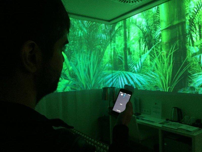 Con este sistema podrá dotar a su habitación de un ambiente personalizado con el que poder trasladarse a evocadores lugares.