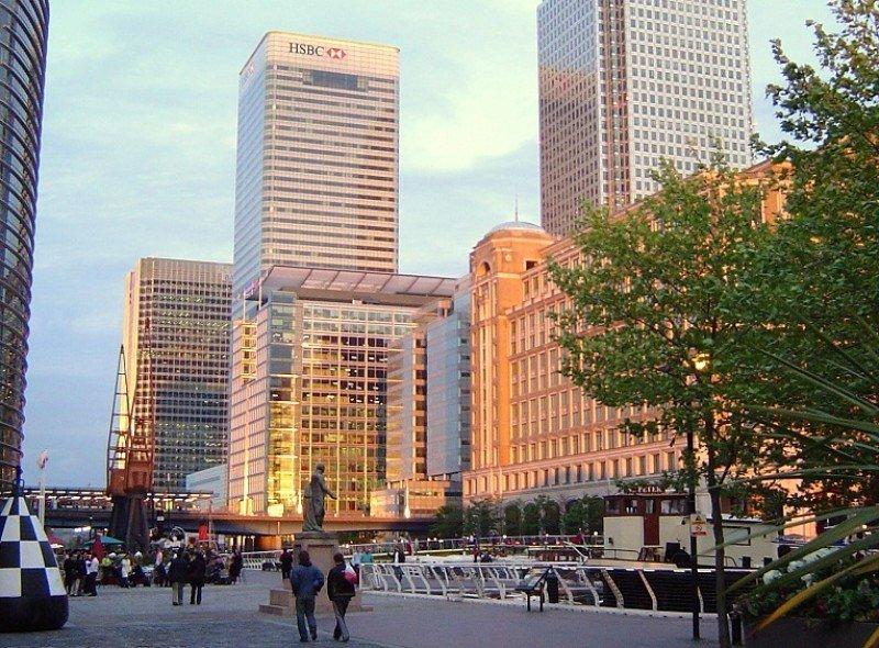 Torre HSBC en Canary Wharf, Londres, sede del banco.