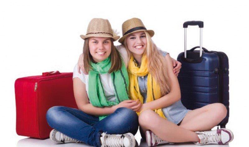 Universitarios, los que gastan poco pero viajan mucho. Reservas online y ofertas especiales, claves para atraer a este segmento. #shu#
