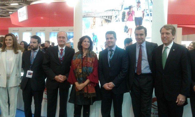 Representantes de Hilton hoy en la ITB de Berlín con la secretaria de Estado de Turismo, el diputado de Turismo de la Costa del Sol y el alcalde de Málaga.