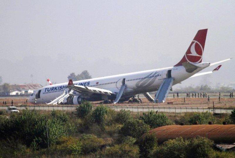 El Aeropuerto de Katmandú cesa su actividad tras el incidente de Turkish Airlines