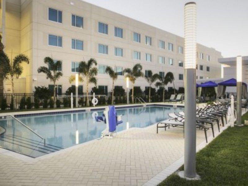 JetBlue abre un hotel para sus tripulantes en Orlando