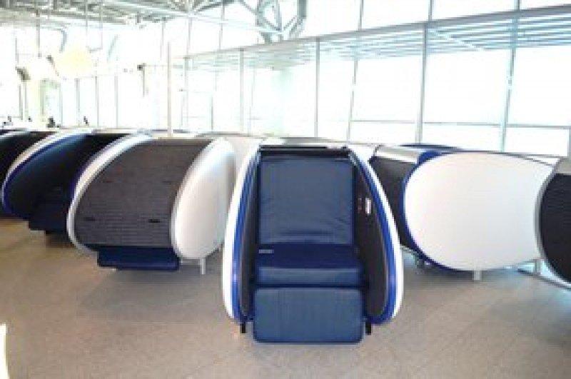 Lanzan asientos-cápsula para pasajeros en tránsito