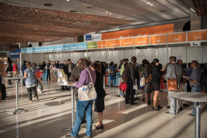 El Centre de Convencions Internacional de Barcelona (CCIB) cerró 2014 con un total de 113 eventos albergados, una cifra récord en un solo ejercicio desde su apertura, con un total de 396.000 delegados y visitantes, según ha informado la empresa que gestiona dicha instalación. Así, la facturación se incrementó un 24,5% con respecto al año anterior.
