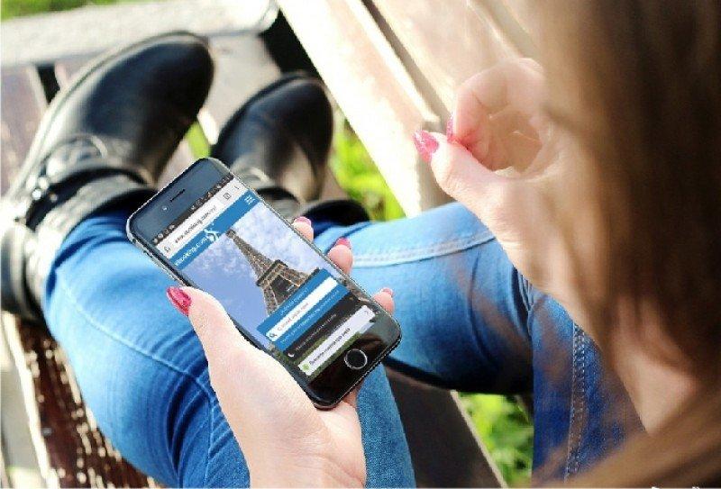 El cliente de ebooking.com tiene entre 21 y 42 años, es muy activo en internet y es en sus viajes de negocios cuando más utiliza su sistema para reservar.