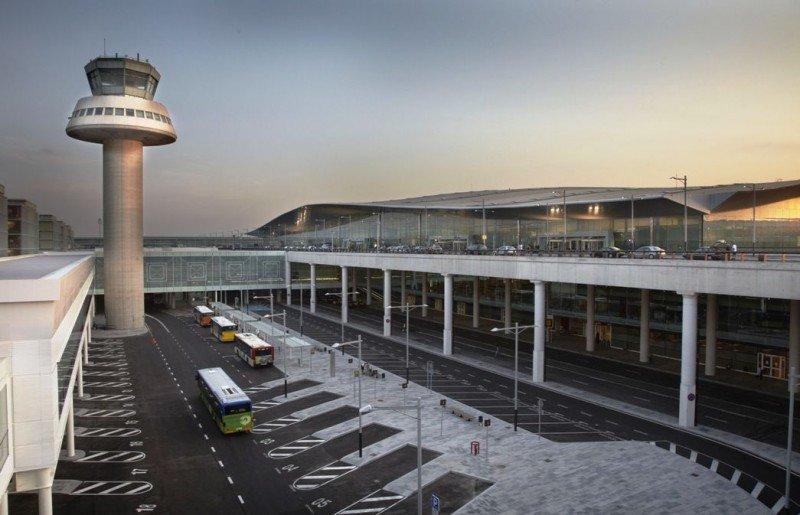 El Aeropuerto de Barcelona-El Prat busca captar rutas directas con Japón