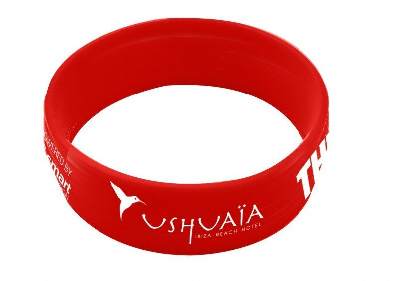 La pulsera que reciben los clientes del hotel Ushuaïa de Ibiza.