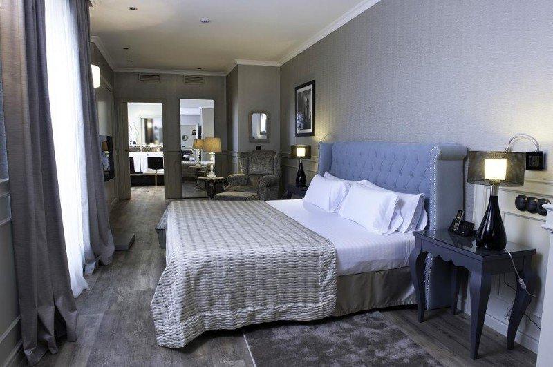 Las nuevas suites se encuentran en la décima planta del hotel, decoradas con piezas únicas y telas de Elite Decor.