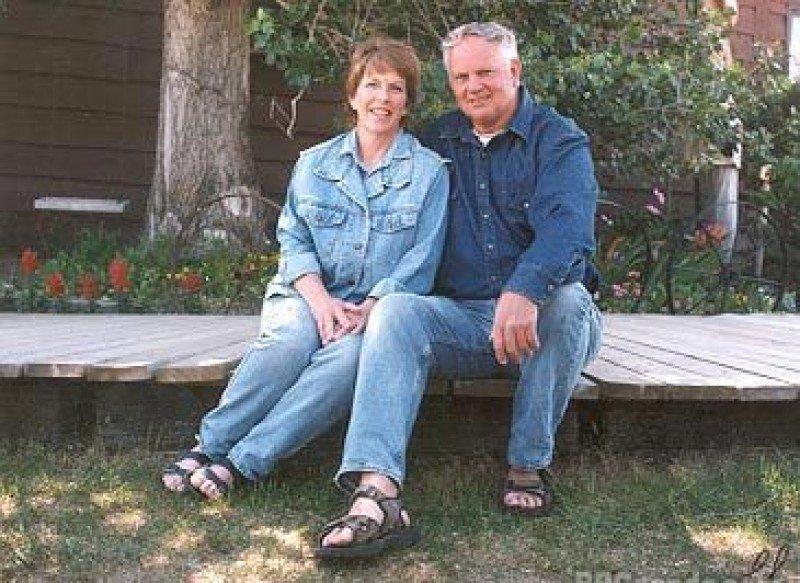 Kathy Chaplin y su marido, propietarios del alojamiento rural Chaplin's Country Bed