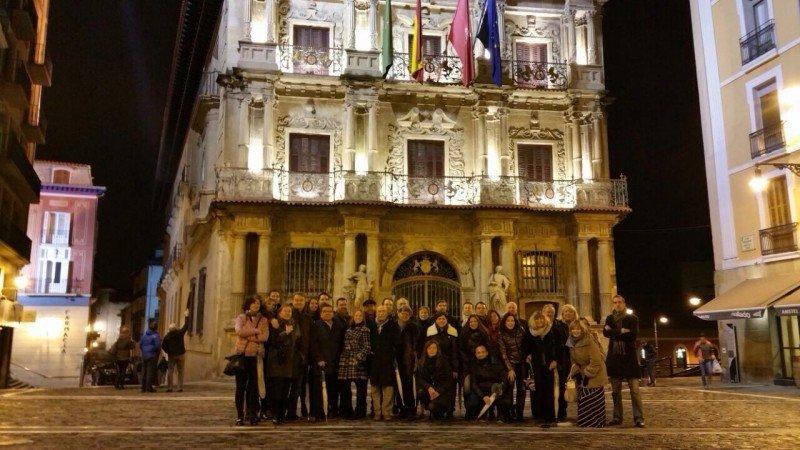 Los miembros de SpainDMCs y sus acompañantes, en su visita a Pamplona.