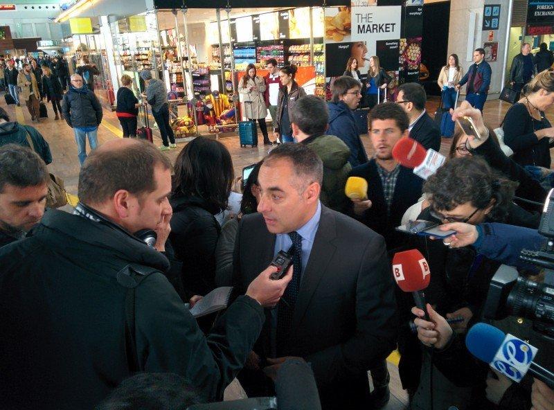 La T2 de Barcelona vive un día negro por el accidente de Germanwings