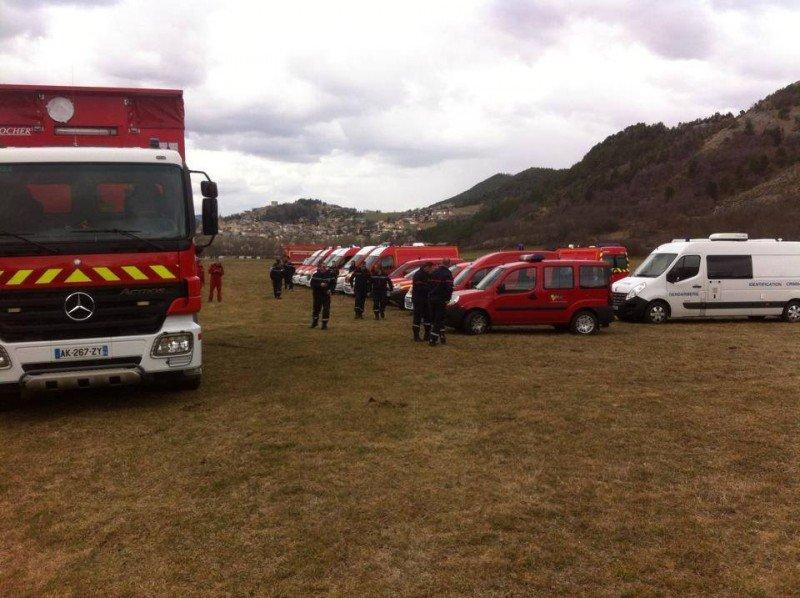 Los equipos de rescate prevén una actuación 'larga y complicada' a 2.500 metros de altura.