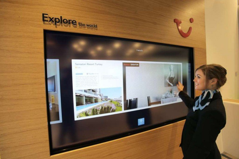 TUI Group ha hecho una fuerte inversión en tecnología para sus tiendas presenciales.