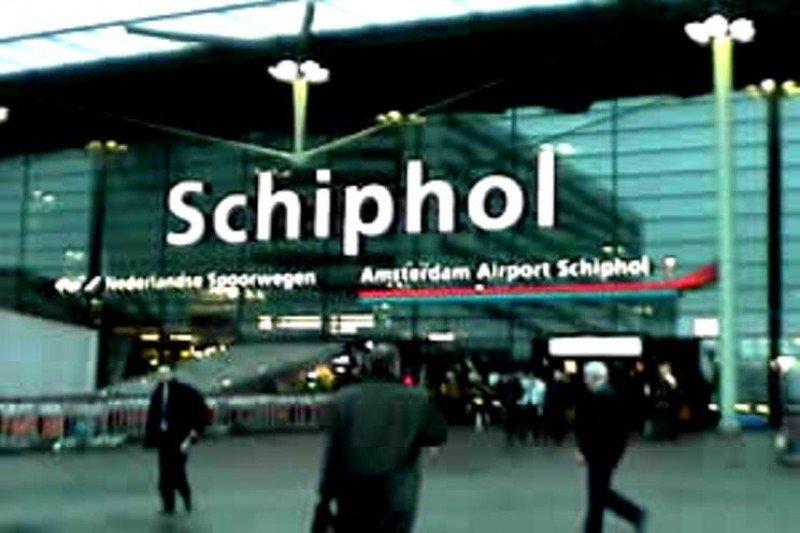 El Aeropuerto de Schiphol cancela todos sus vuelos por un apagón