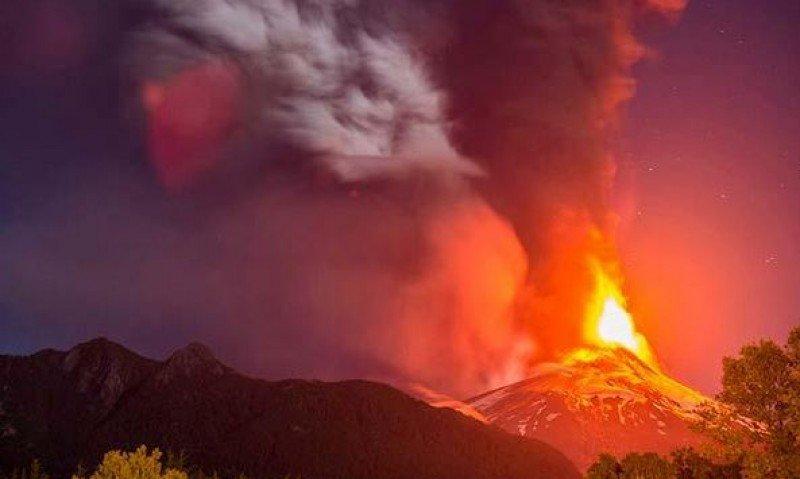 Entra en erupción el Volcán Villarrica de Chile. (Foto: La Tercera)