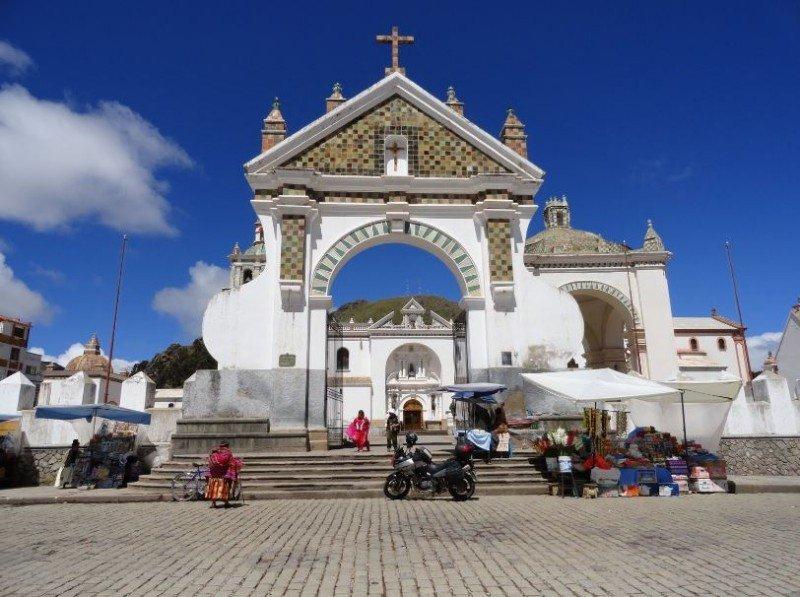 Basílica de Nuestra Señora de Copacabana.