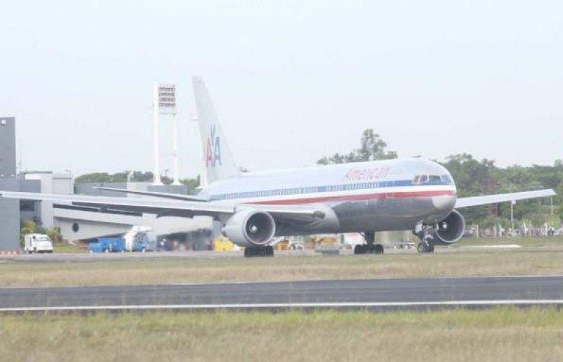 Avión de American en el aeropuerto de Asunción. Foto: ABC