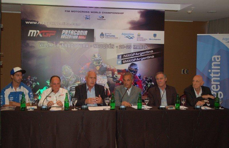 El ministro de Turismo de la Nación y presidente del INPROTUR, Enrique Meyer, participó junto al gobernador de Neuquén, Jorge Sapag, del lanzamiento oficial del MX GP Mundial de MotoCross Patagonia Argentina 2015.