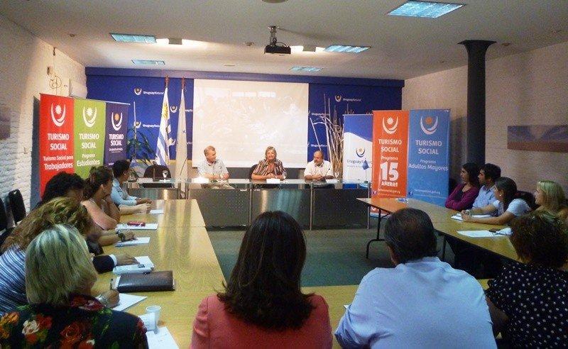 Primer taller 2015 de turismo social en Uruguay.