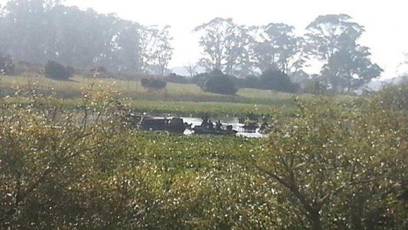 El avión siniestrado en la Laguna del Sauce. Foto: Subrayado.