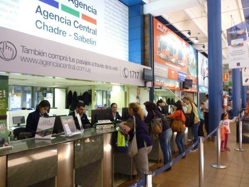 Terminal Tres Cruces en uno de sus picos anuales de movimiento.