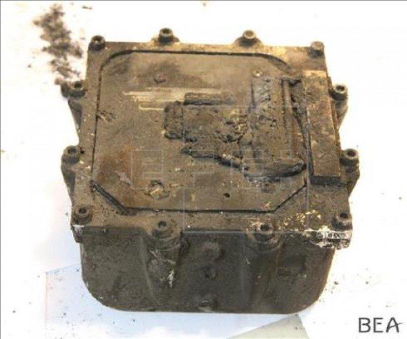 La segunda caja negra encontrada este jueves por una gendarme francesa.
