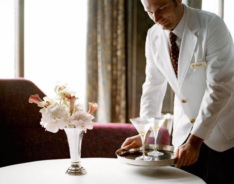 Para los pasajeros que reserven un camarote exterior o superior, la promoción incluye crédito adicional para algunos de los restaurantes de su flota.