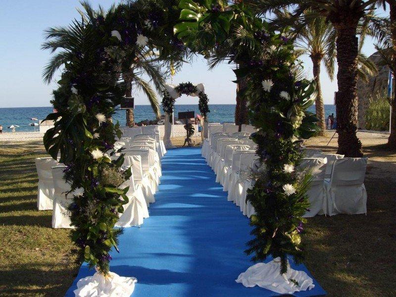 El hotel también se dirige al mercado de bodas y ceremonias de todo tipo, que pueden celebrarse en La Caleta.