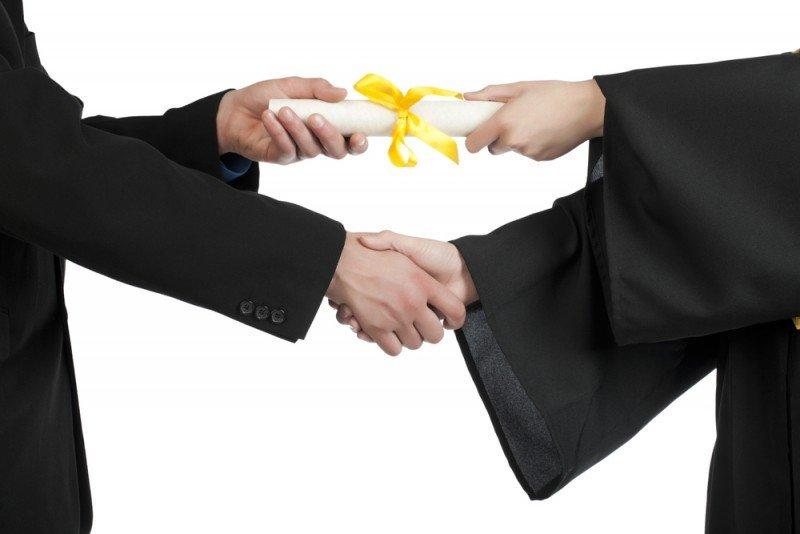 Estará especializada en formación de postgrado y para ejecutivos. #shu#.