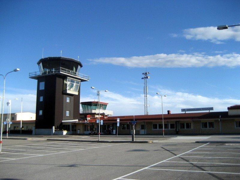 Un aeropuerto sueco controla su tráfico con mando a distancia
