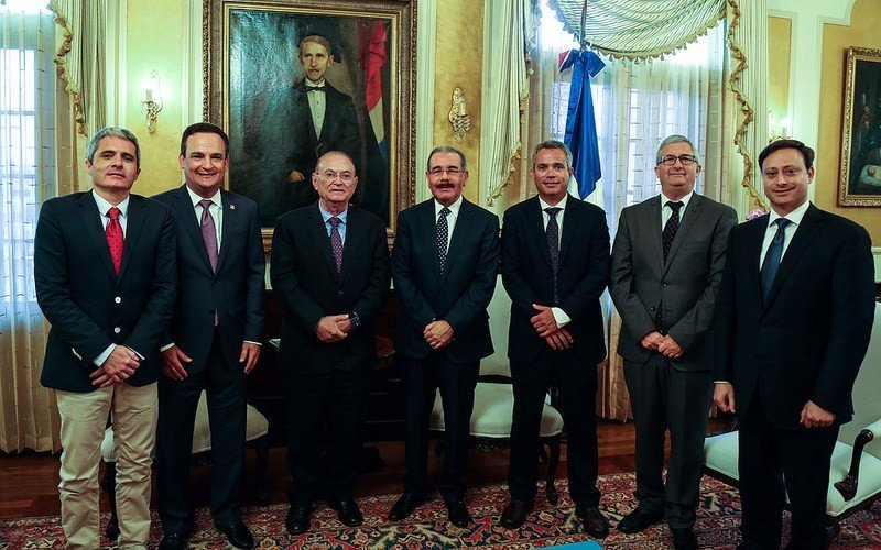El presidente Medina en la reunión con los ejecutivos del Grupo Martinón.