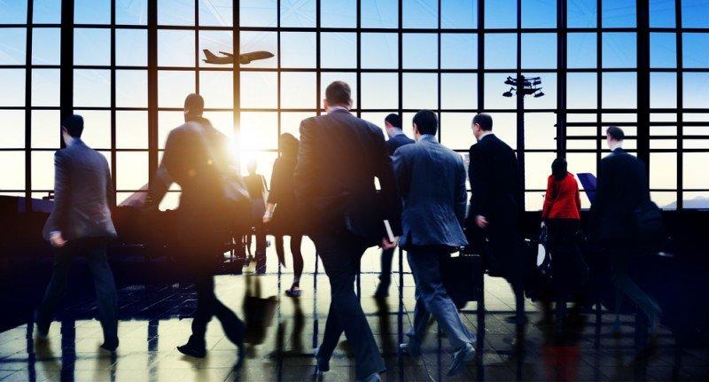 Los viajeros corporativos comienzan a reducir visitas a Rusia. #shu#.