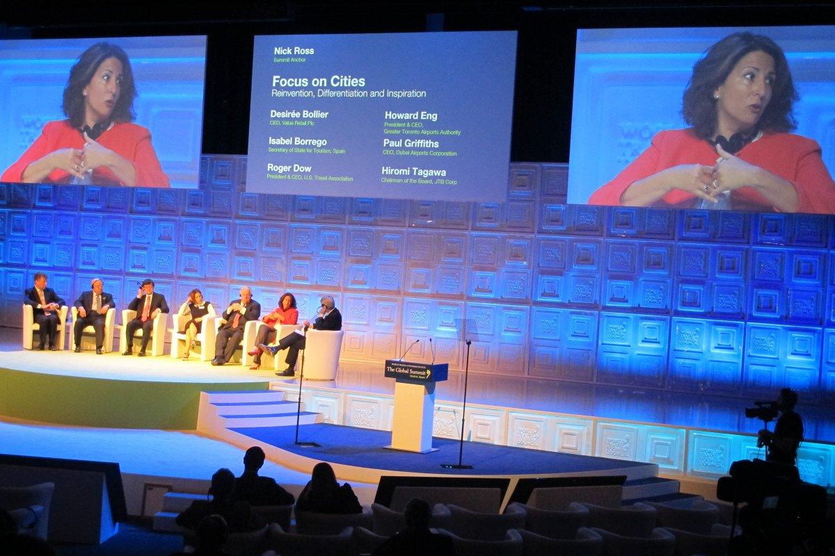 Isabel Borregó compartió mesa redonda con representantes de otros países.