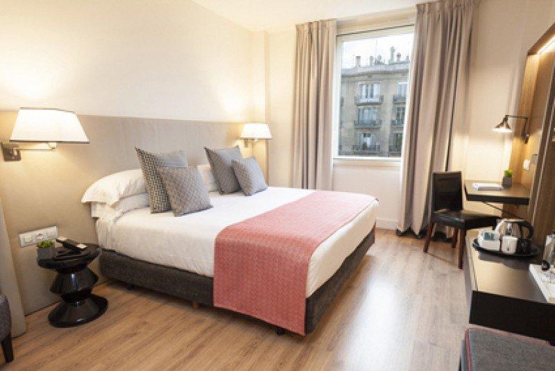 Las cinco categorías de habitación del Gallery Hotel tienen superficies de entre 16 y 45 metros cuadrados.