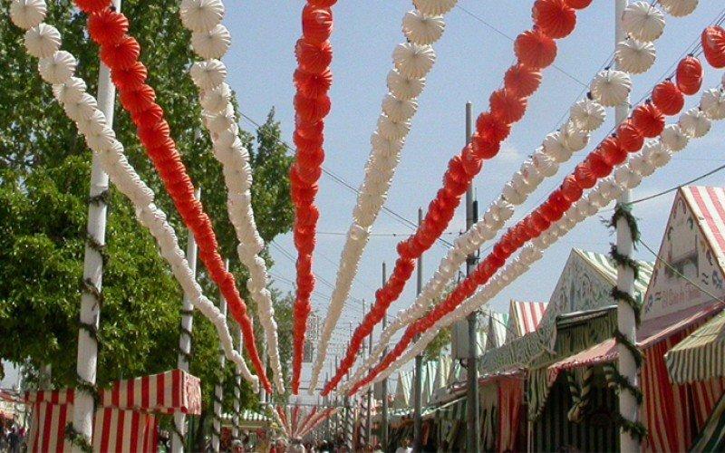 Los hoteles de Sevilla bajan precios para la Feria de Abril, salvo los de lujo