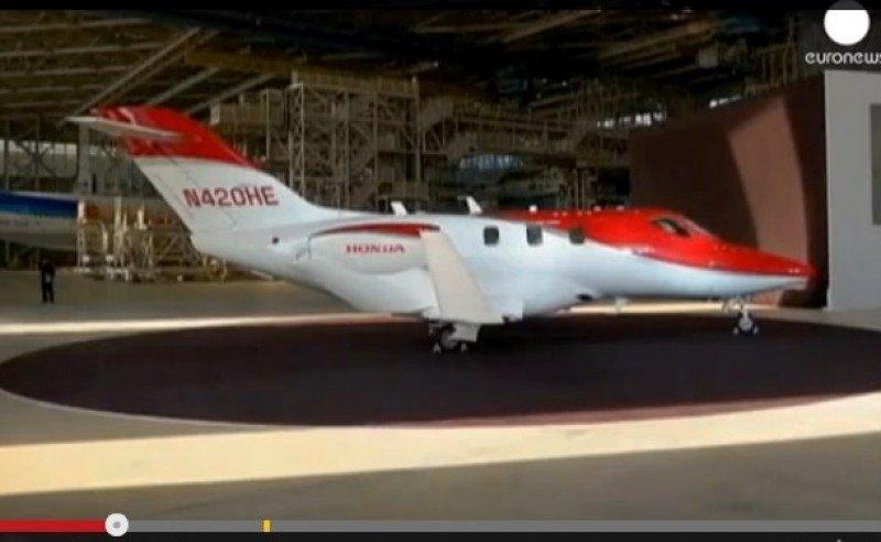 Vídeo: Honda se lanza a la fabricación de aviones y presenta en Japón su HondaJet