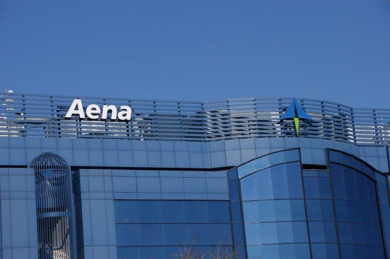 Aena deberá bajar las tasas aeroportuarias a partir de 2016