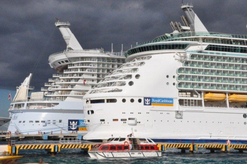Royal Caribbean Cruises reduce de siete a cinco los pasos que debe seguir un agente para concretar una reserva y ofrece nuevas funcionalidades. #shu#