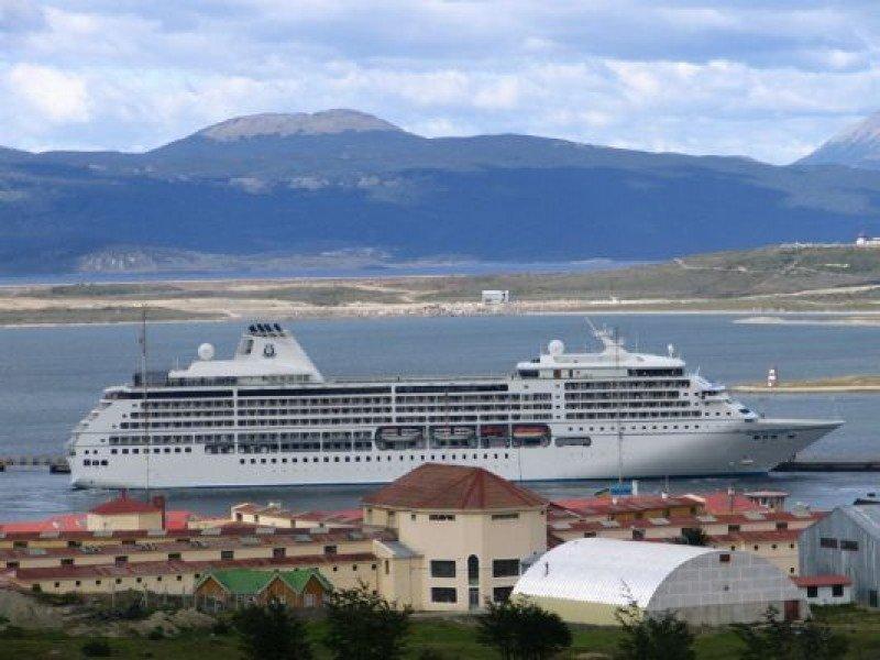 Uno de cada tres turistas que arriba a Ushuaia lo hace por cruceros