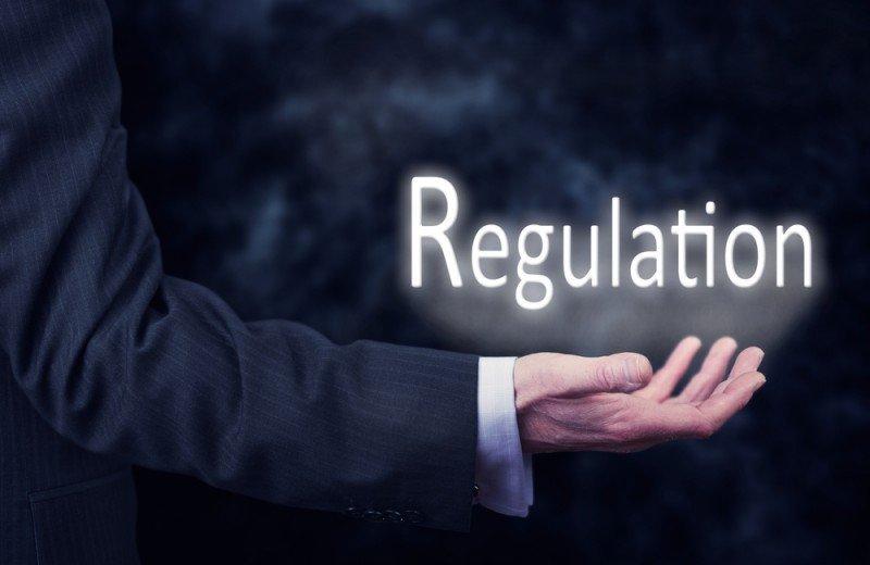 La OCU pide que en la regulación se diferencie al particular del profesional, y Fevitur que se les trate como viviendas. #shu#
